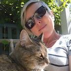 Sarah Rowland's avatar